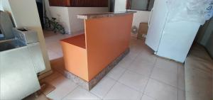 1 OR 2 PERSONS FRONT DESK